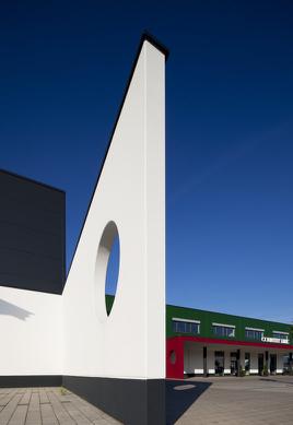 Architektonisch interessant: das Firmengebäude von Country Line in Mühldorf am Inn.